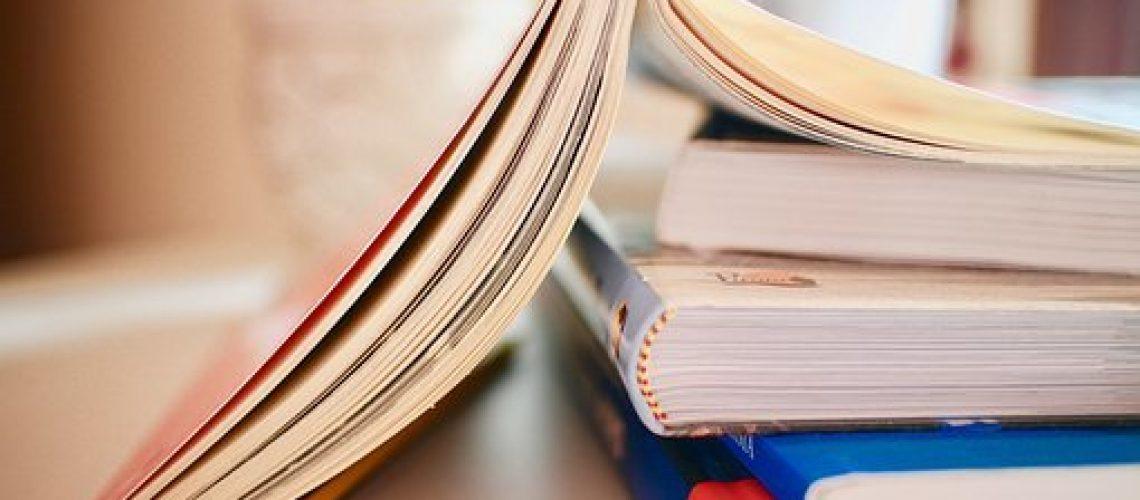 books-2012936__340[1]